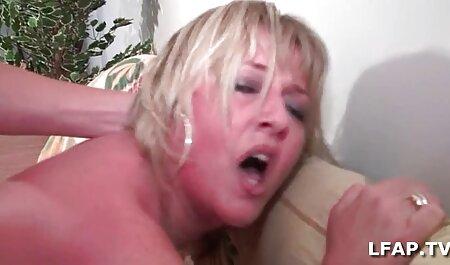 बड़े स्तन देखने के लिए मालिश सेक्सी फुल मूवी वीडियो शुरू और उसके पैरों के साथ मुर्गा महसूस करता है