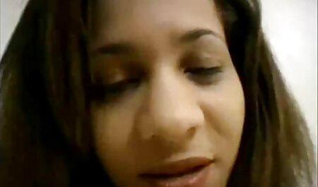 नानी नई परिचित हिंदी सेक्सी मूवी समूह में बदल जाता है