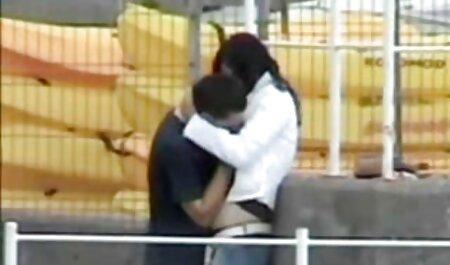 सेंट पीटर्सबर्ग आदमी एक लड़की के साथ यौन संबंध है और कैमरे के हॉलीवुड फुल सेक्स फिल्म सामने यौन संबंध