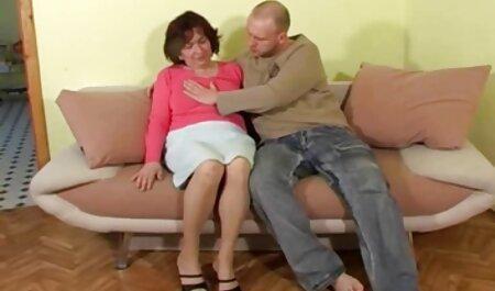 सुंदर लुसेट, 18, दो पुरुषों के दो सिरों वीडियो सेक्सी हिंदी मूवी के साथ अपने छेद घुसना करने के लिए अनुमति