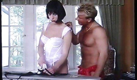 हम नानी सेक्सी वीडियो एचडी मूवी कैम पर बारी और गैंगबैंग करने के लिए मजबूर