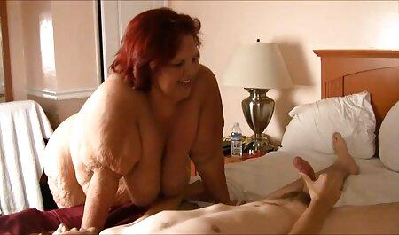 माँ, माँ जगा, और उसकी नींद सेक्सी फिल्म एचडी मूवी वीडियो की बेटी के साथ