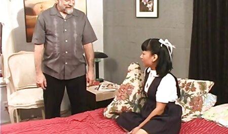 उसकी कम उम्र के हाथ पर एक हिंदी में फुल सेक्स मूवी टैटू के साथ लड़का