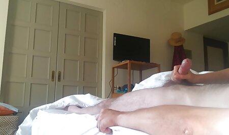 युवा सेक्सी वीडियो फुल मूवी हिंदी सेक्स व्यायाम नग्न और अपने मुर्गा को पथपाकर