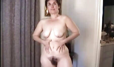 बाथरूम छोड़कर, तुरंत उसकी सेक्सी पिक्चर फुल मूवी मालकिन पंगा लेना