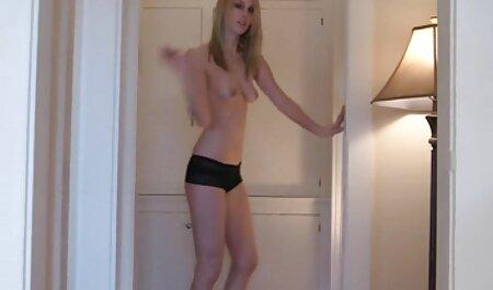 रॉक्सी रे उसके पैरों के सेक्सी हिंदी मूवी वीडियो साथ आदमी खेलते हैं और उसे एक गधा देता है