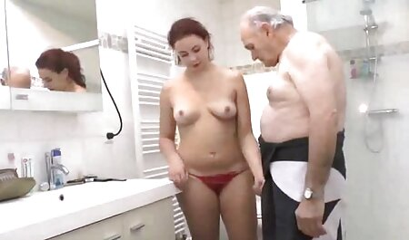 छात्र सेक्सी हिंदी मूवी वीडियो में के पीछे से गुदा में देता है