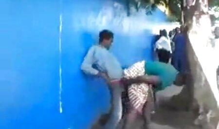पूल द्वारा सेक्सी मूवी हिंदी में वीडियो