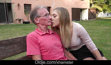 गोरा उसके मुंह के साथ लोहार की फुल मूवी सेक्सी पिक्चर कुल उठाया और बिल्ली में उसे खोल देता है