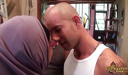 गार्ड छिपे हुए कैमरे के एचडी सेक्सी मूवी हिंदी में माध्यम से महिलाओं को देख