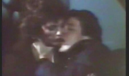 तीन समूहों, और चेहरे सेक्स मूवी एचडी में नकाब